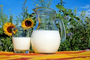 mleko-foto-ilustracija