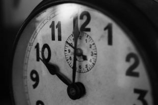 clock-1031503_960_720-768x432