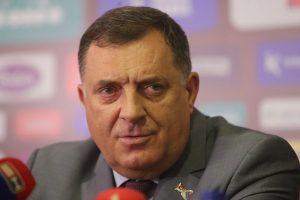 Milorad-Dodik-FK-Borac2-Foto-Sinisa-Pasalic