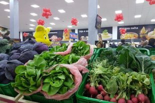 Trlic-Supermarket-hrana-kuvana-hrana-rafovi-hleb-25-1000x650