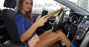 Telefoniranje-u-autu