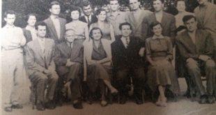 U prvom redu s lijeva: stoji S. Velikic, sjede:B. Polic, V. Stadnicki, M. Mrsevic, I. Sarenac, M. Obrenobic i D. Radojcic.